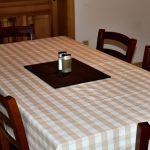jídelní stůl Chalupa U Jezu