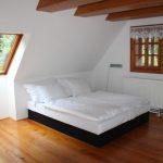 postel pokoj Chalupa U Jezu